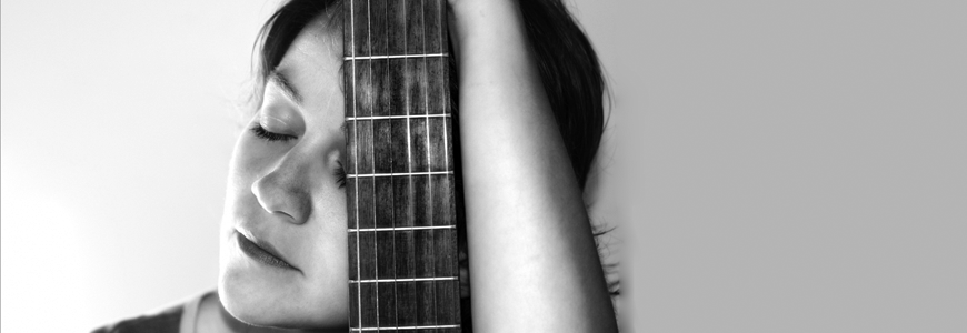 girl_with_guitar